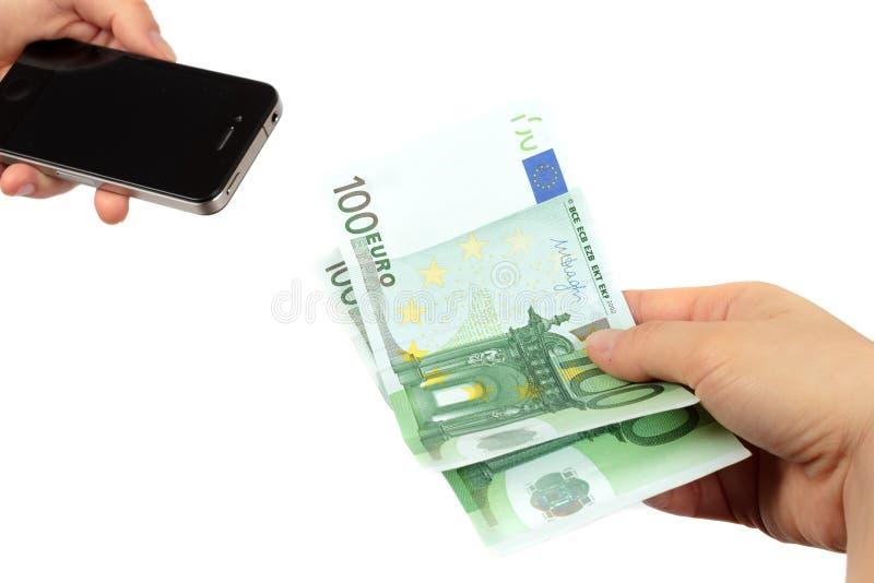 Comprando o telefone celular novo imagem de stock royalty free