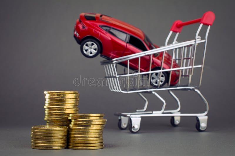 Comprando um conceito novo do carro fotos de stock