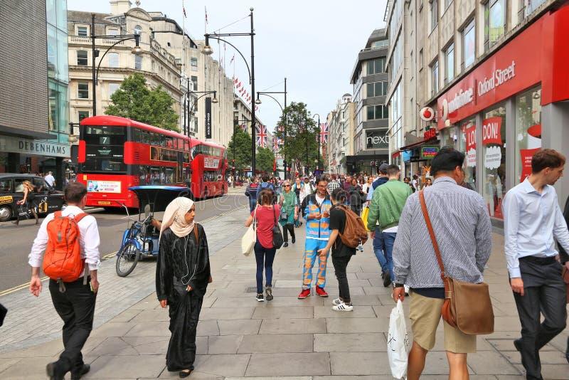 Compras de la calle de Oxford imagenes de archivo