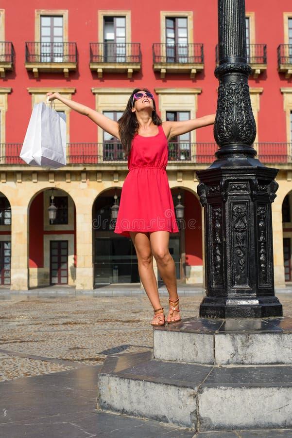 Compras de la mujer en España fotos de archivo libres de regalías