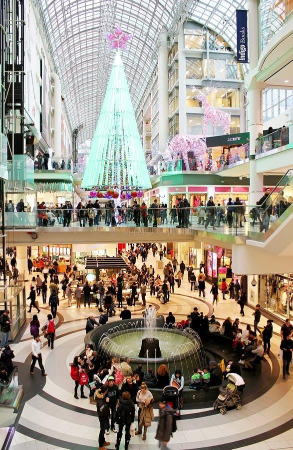 Compras de la Navidad del centro de Toronto Eaton fotografía de archivo