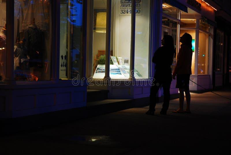 Compras de la ventana en el Hamptons foto de archivo libre de regalías
