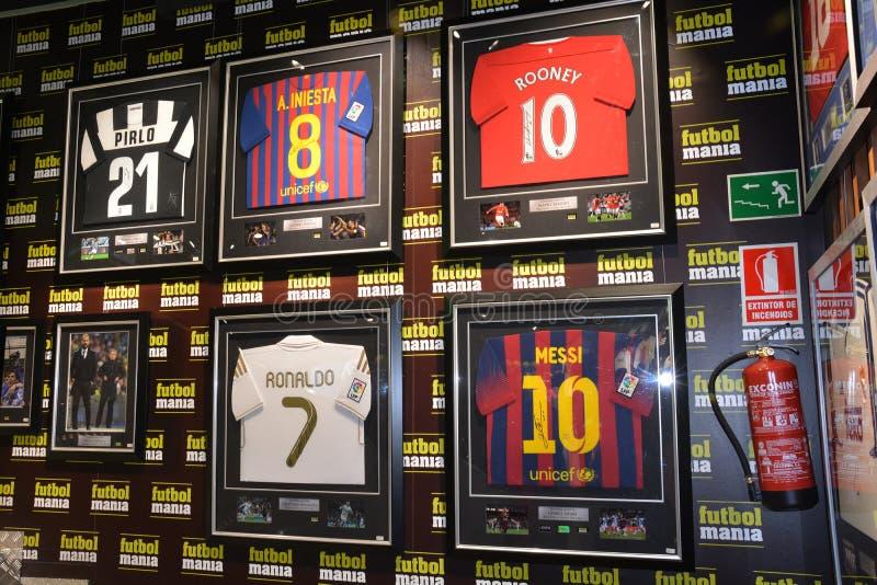 Compras del episodio maníaco del fútbol de Madrid fotografía de archivo