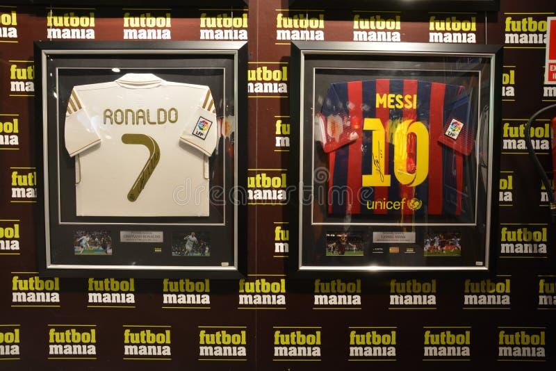 Compras del episodio maníaco del fútbol de Madrid foto de archivo