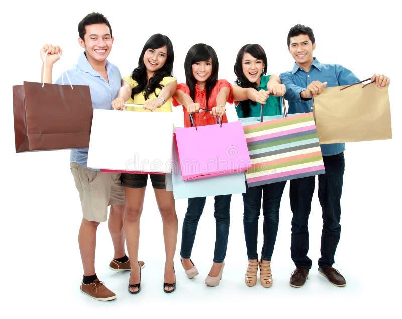 Compras del grupo de personas fotos de archivo libres de regalías