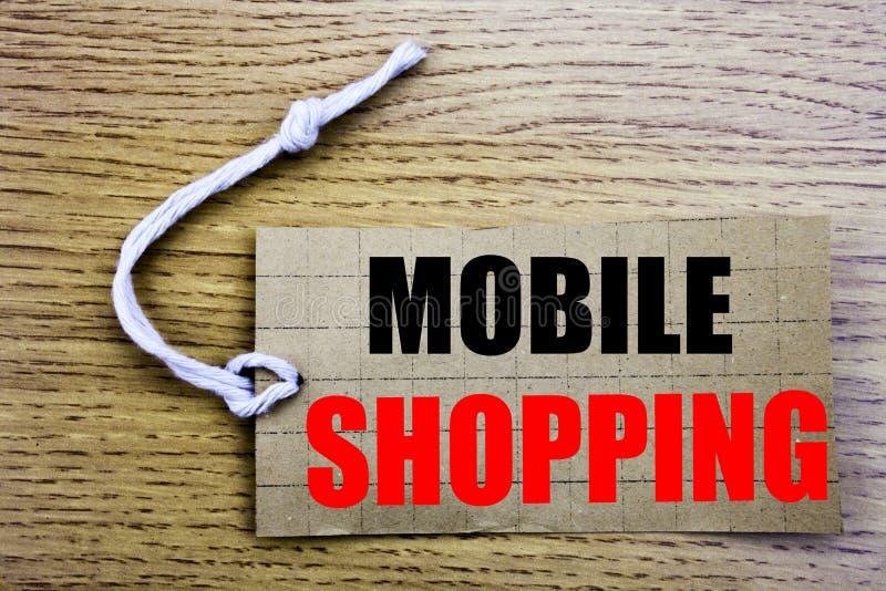 Compras móviles Concepto del negocio para la orden en línea del saleCellphone en línea escrita en el papel del precio con el espa fotografía de archivo libre de regalías