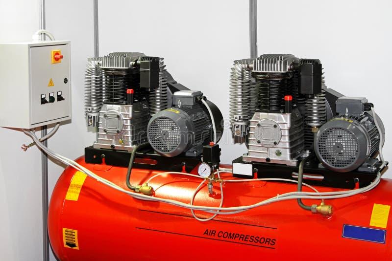 Compressor de ar dobro imagem de stock royalty free