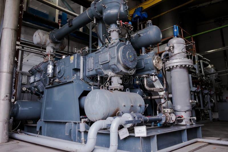 Compressor de in vier fasen van de diafragmazuiger De eenheid van de luchtscheiding ryogenic bedrijf Vloeibare zuurstoffabriek Bu stock afbeelding