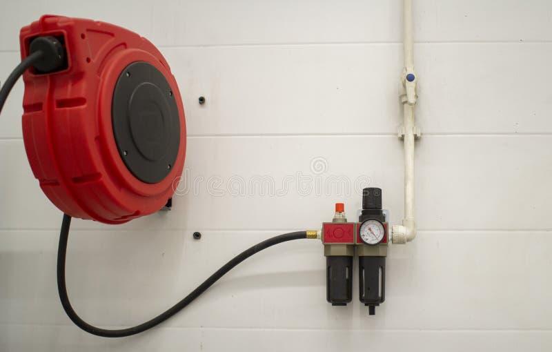 Compressor in het servicestation Onderhoud van auto's royalty-vrije stock foto