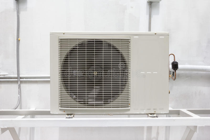 Compressoreenheid van airconditioner stock afbeelding