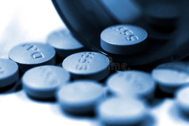Download Comprimidos e frasco foto de stock. Imagem de pharmaceutical - 58056