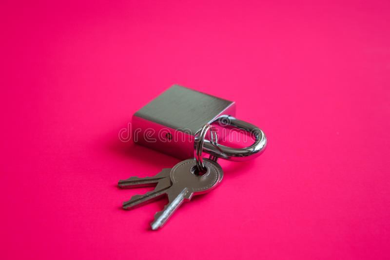 Compruebe la cerradura y las llaves imagen de archivo