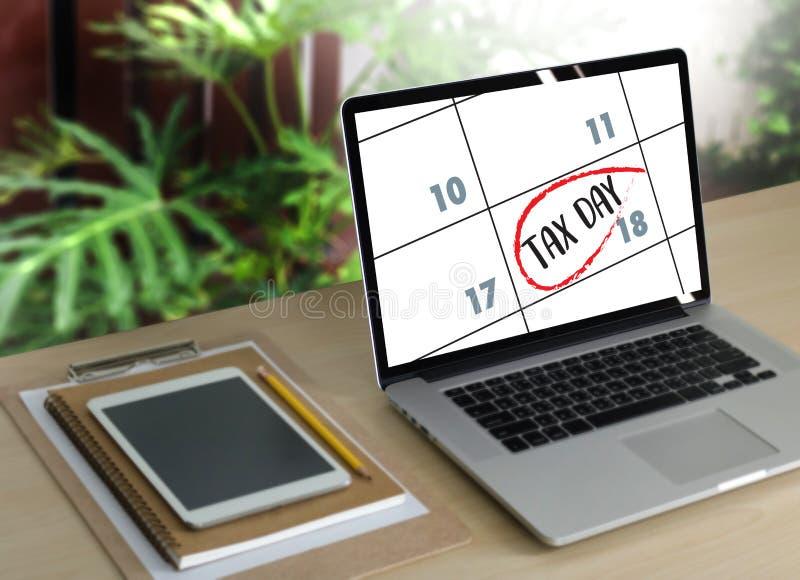 Comptabilité financière T d'argent de plan fiscal d'atout de document de temps d'impôts images libres de droits