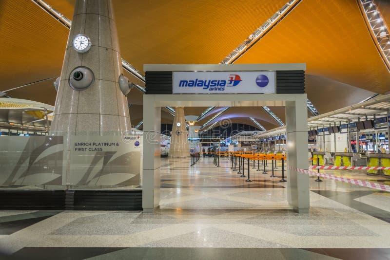 Comptoir d'enregistrement de Malaysia Airlines chez Kuala Lumpur International Airport photos libres de droits