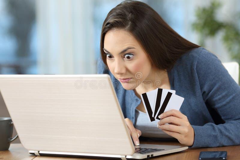 Compulsive na linha cliente ou jogador em casa imagens de stock royalty free