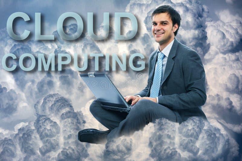 Computação da nuvem do homem de negócios imagens de stock
