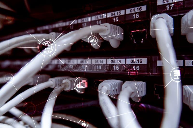 Computación y comunicación de la nube de la infraestructura de la tecnología Concepto del Internet imagen de archivo