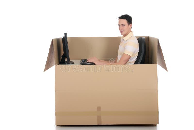 Computador do homem da caixa do bate-papo fotos de stock