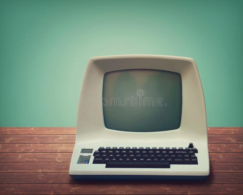 Computador velho imagens de stock