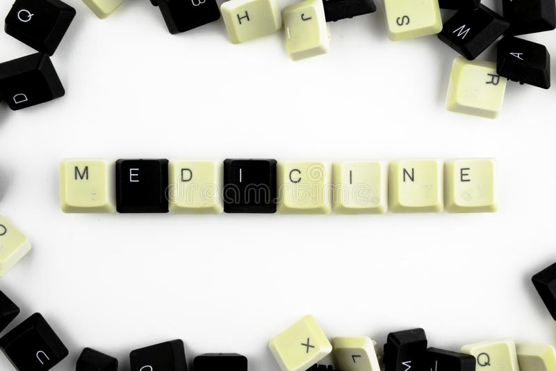 Computer e tecnologie informatiche nelle industrie e nei campi di attivit? umana - concetto la medicina La parola ? presentata su fotografia stock libera da diritti