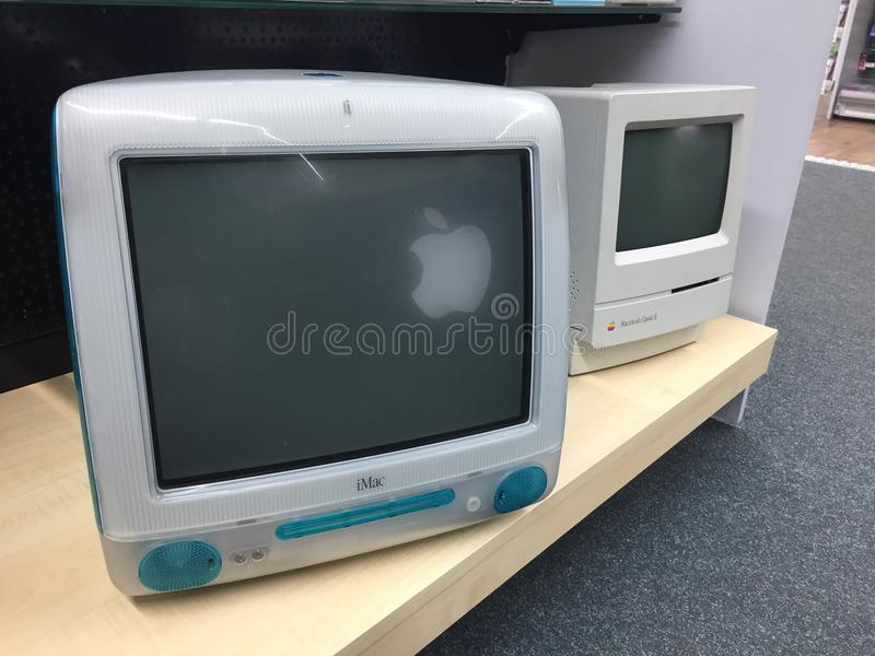 Computer en Macintosh-Schrijver uit de klassieke oudheid II van Apple iMac G3 stock fotografie