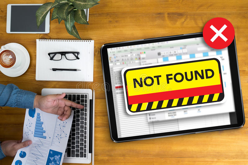 computer 404 Gevonden niet de Waarschuwingsprobleem van de 404 Foutenmislukking stock fotografie