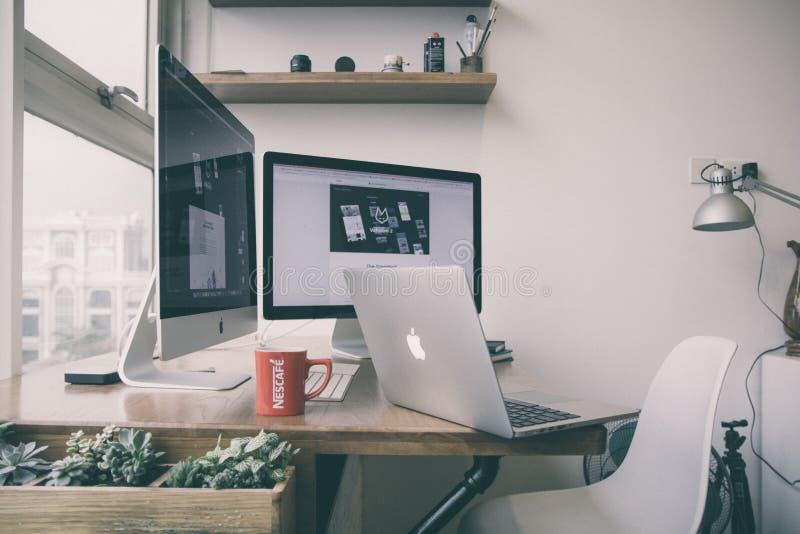Computer Im Weißen Hintergrund Kostenlose Öffentliche Domain Cc0 Bild