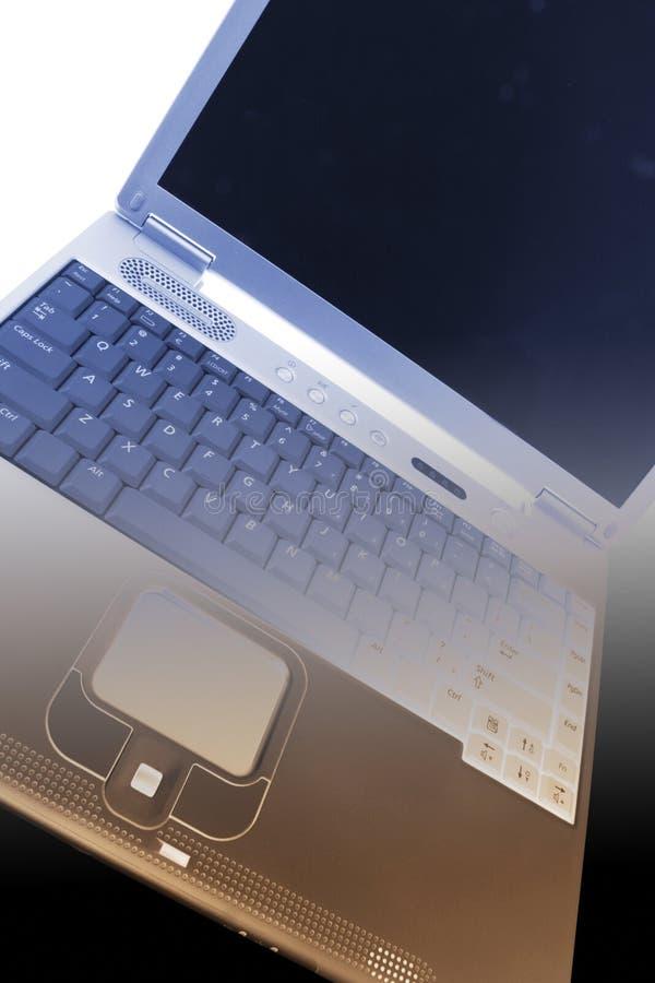 Download Computer portatile immagine stock. Immagine di video, largamente - 7317845