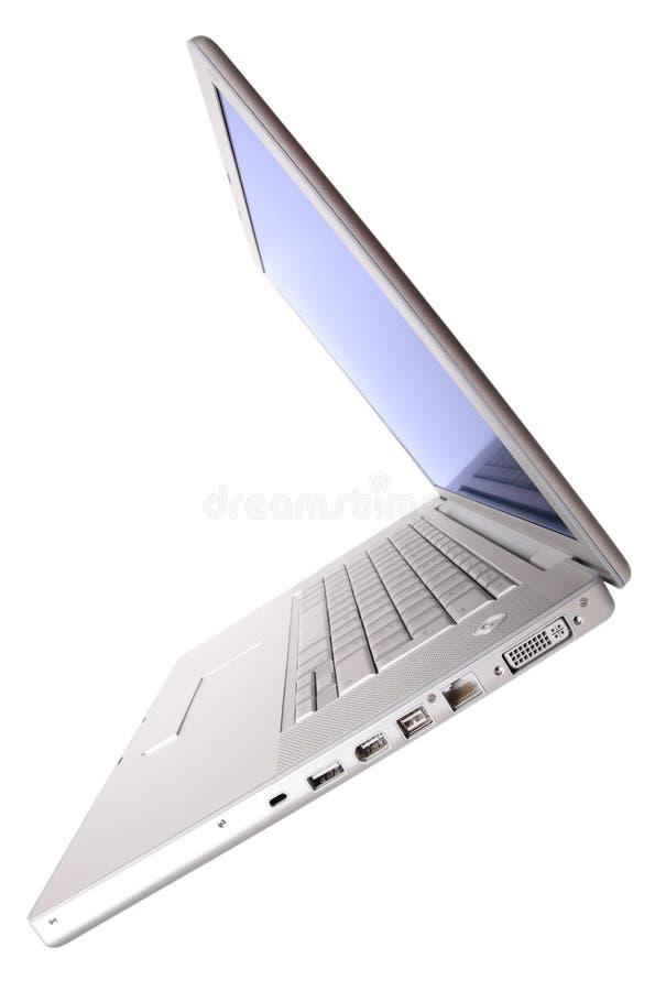 Computer portatile aperto, vista di inclinazione fotografia stock libera da diritti