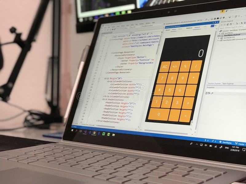 Computer portatile bianco e nero immagine stock