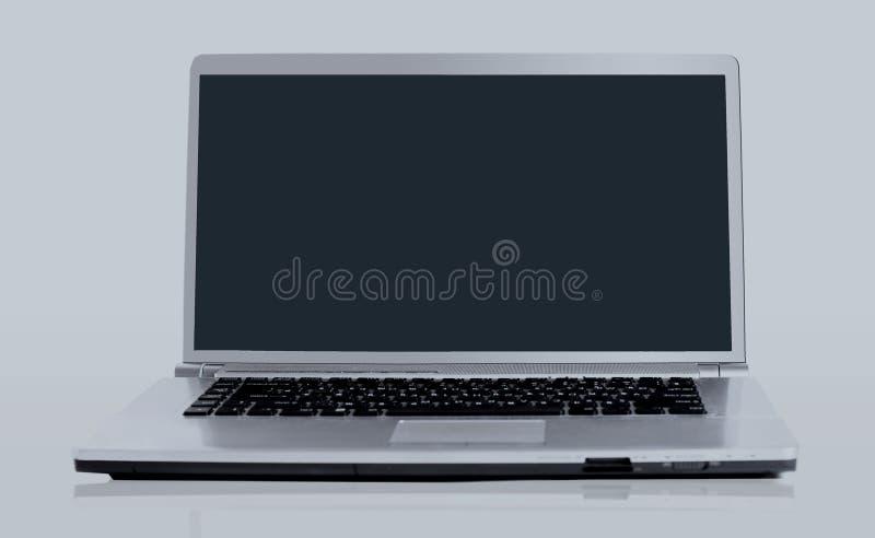 Computer portatile isolato sopra fondo bianco immagine stock