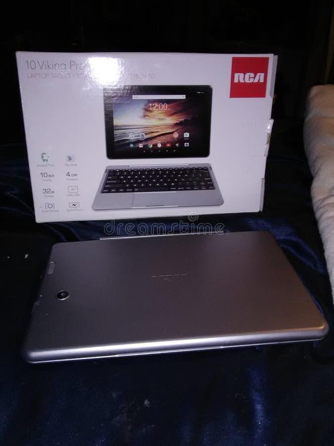 Computer portatile nuovissimo della compressa con la tastiera deattachable fotografia stock