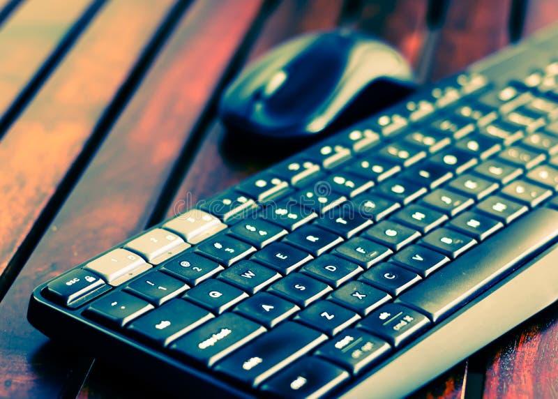 Computer-Tastatur und Mäusequadratisches Foto lizenzfreie stockfotos