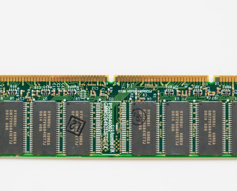 Computerkomponentenbrett mit Goldleiterbeschichtungen lizenzfreie stockfotos