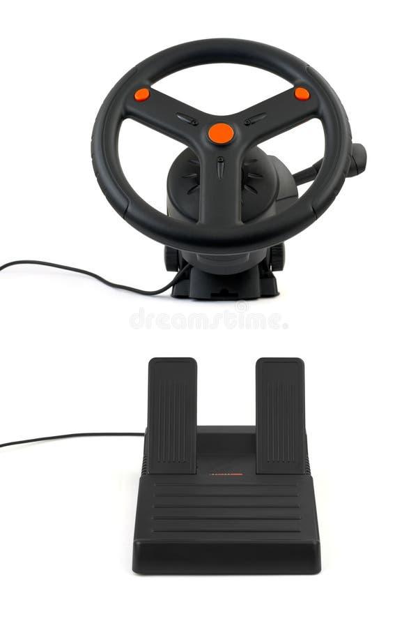 Computerlenkrad und -pedale lizenzfreies stockfoto