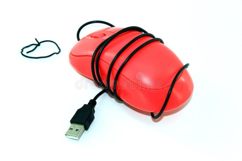Computermuis, met draad wordt verpakt die stock afbeeldingen