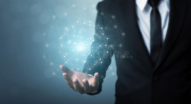Computernetzwerk- und Internetanschlusskonzept, Geschäftsmann ha lizenzfreies stockfoto