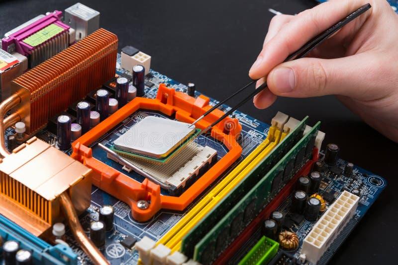 ComputerProzessorbaustein, der nah oben auseinanderbaut stockfotos