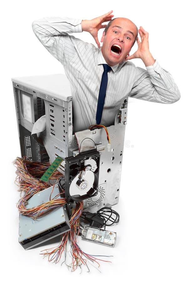 Computersystemabsturz und frustrierter Geschäftsmann. stockbild