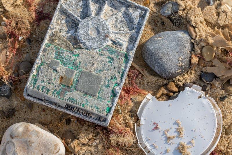 Computerverontreiniging Wassen-op verouderde technologie die afvalbeheerprobleem veroorzaken royalty-vrije stock afbeeldingen