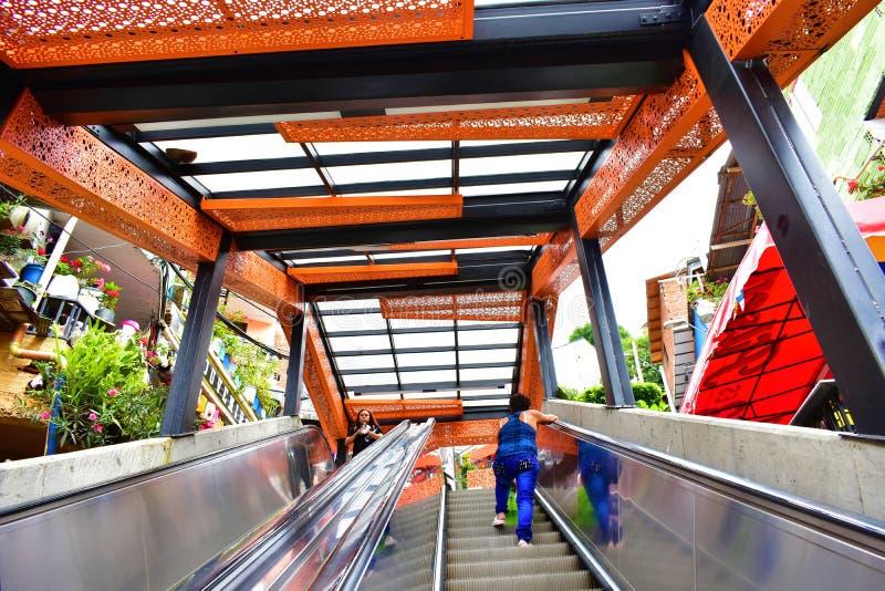 Comuna 13 de medellin del la del en de Escaleras imagen de archivo libre de regalías