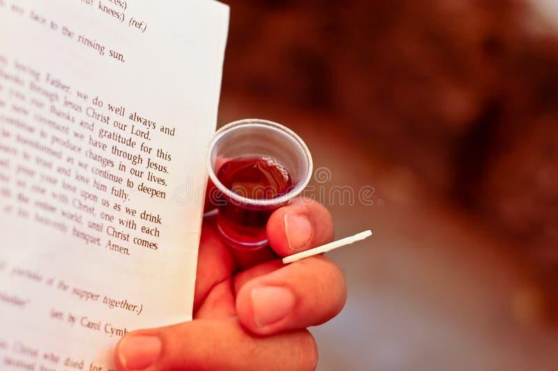 Comunión con el vino y el pan de Ostia fotos de archivo libres de regalías