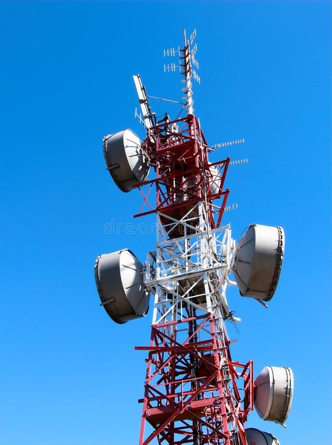 Comunicación del repetidor de la antena foto de archivo