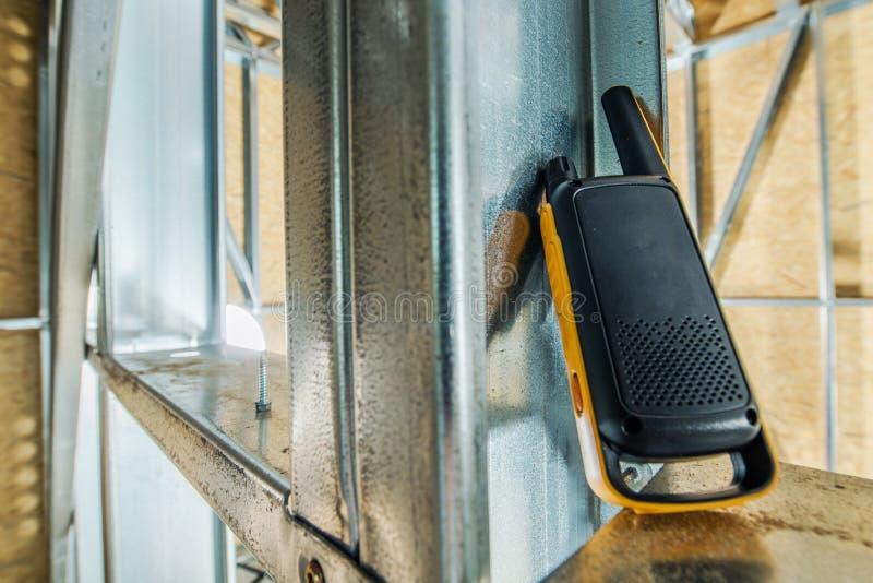 Comunicazione del walkie-talkie fotografia stock libera da diritti