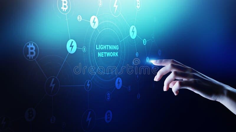 Comunicazione della rete del fulmine nella tecnologia di cryptocurrency Bitcoin e concetto di pagamento di Internet sullo schermo fotografie stock libere da diritti
