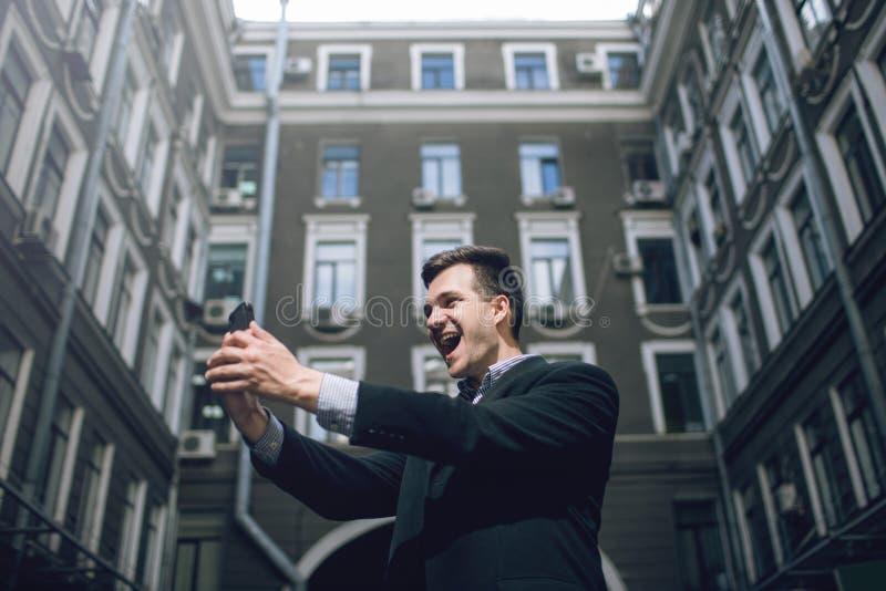 Comunicazione moderna Selfie della via per i media sociali fotografia stock libera da diritti