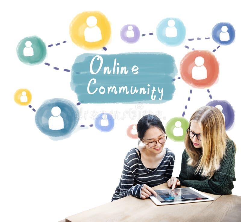 Comunidad en línea que comparte concepto de la sociedad de la comunicación fotos de archivo libres de regalías