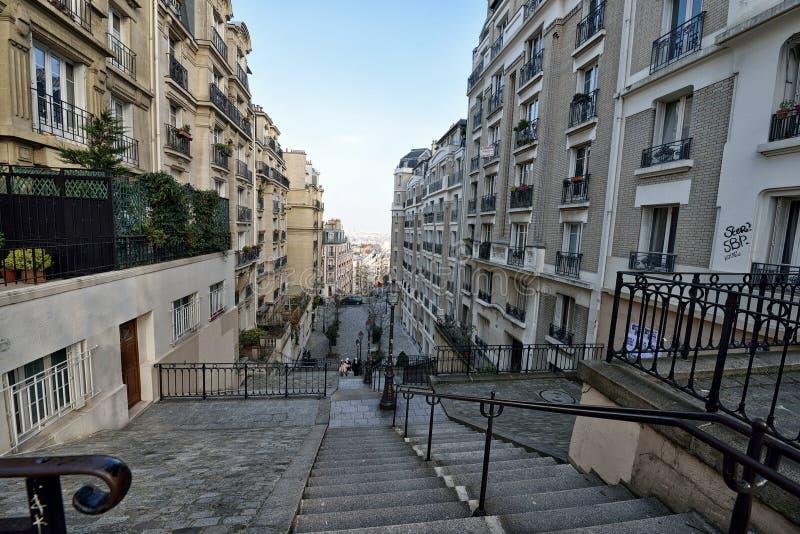 A comunidade da residência em Paris fotos de stock