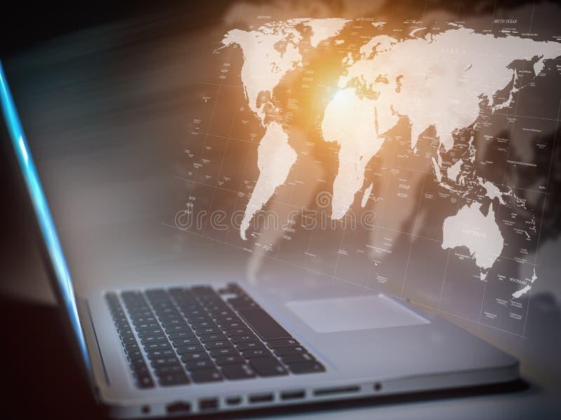 Comuunication, conexión de red, ordenador y concepto globales del hud de la tecnología de Internet Ordenador portátil con el mapa ilustración del vector