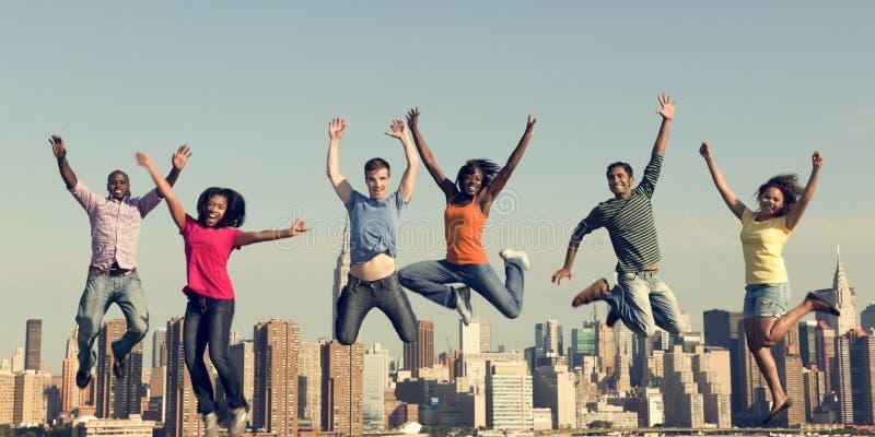 Conceito alegre da celebração do sucesso da felicidade dos povos imagem de stock royalty free